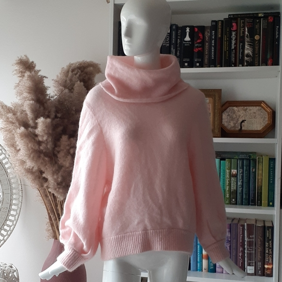 Magaschoni Sweaters - NWT Magaschoni balloon sleeve pink sweater